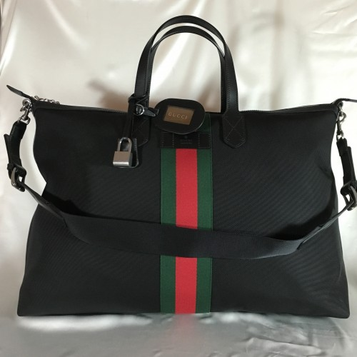 Gucci Weekend bag front