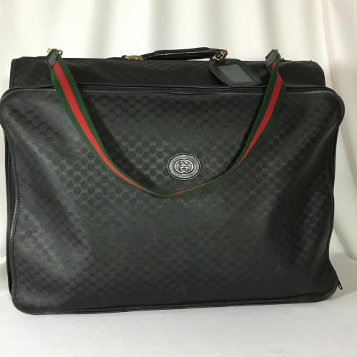 Gucci garment bag front