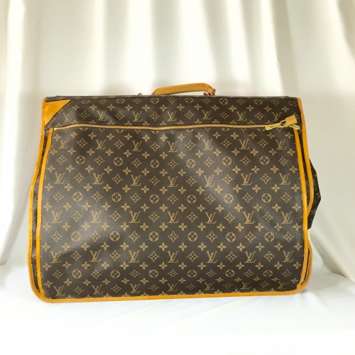 LV Garment bag front