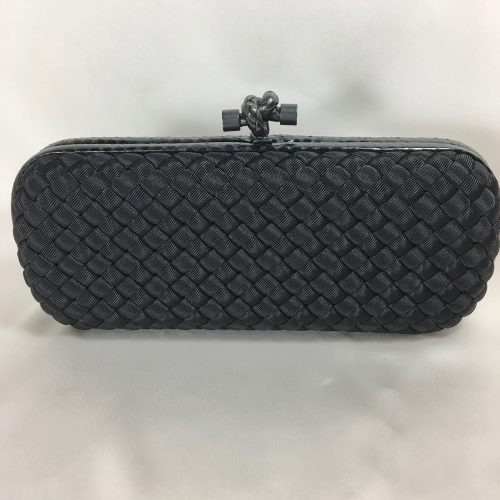bottega-veneta-knot-clutch-1