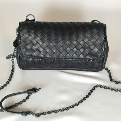 BOTTTEGA VENETA BLACK CROSS BODY