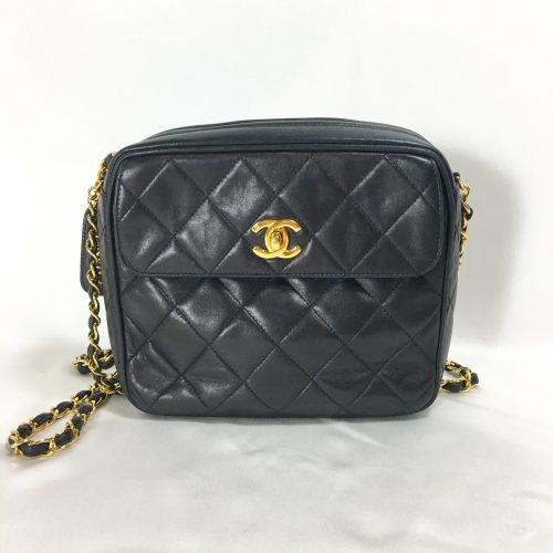 chanel black quilted bag1