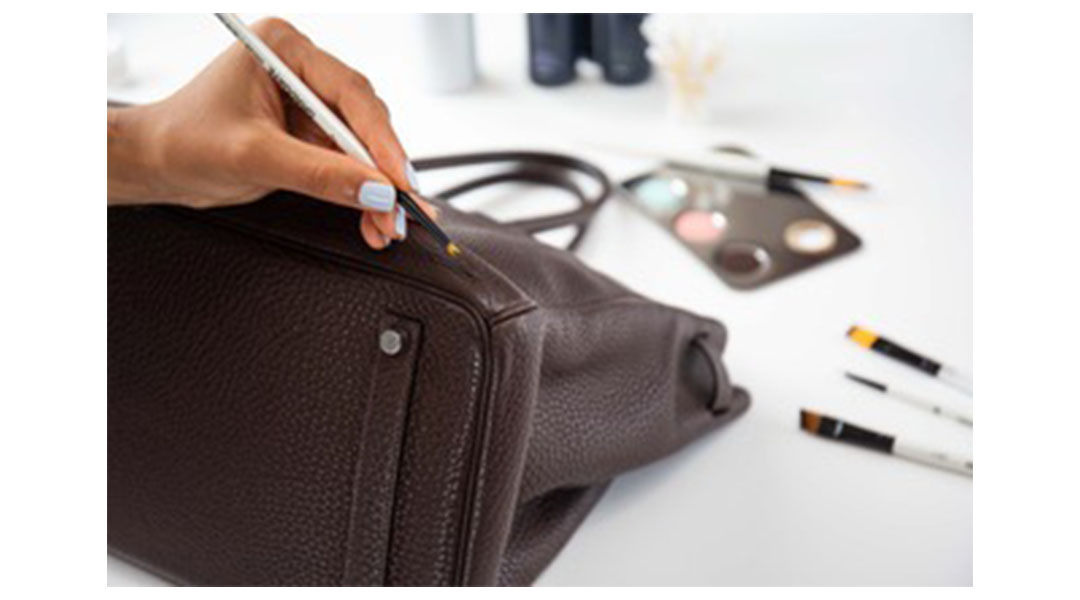 We Have Teamed Up with Handbag Clinic